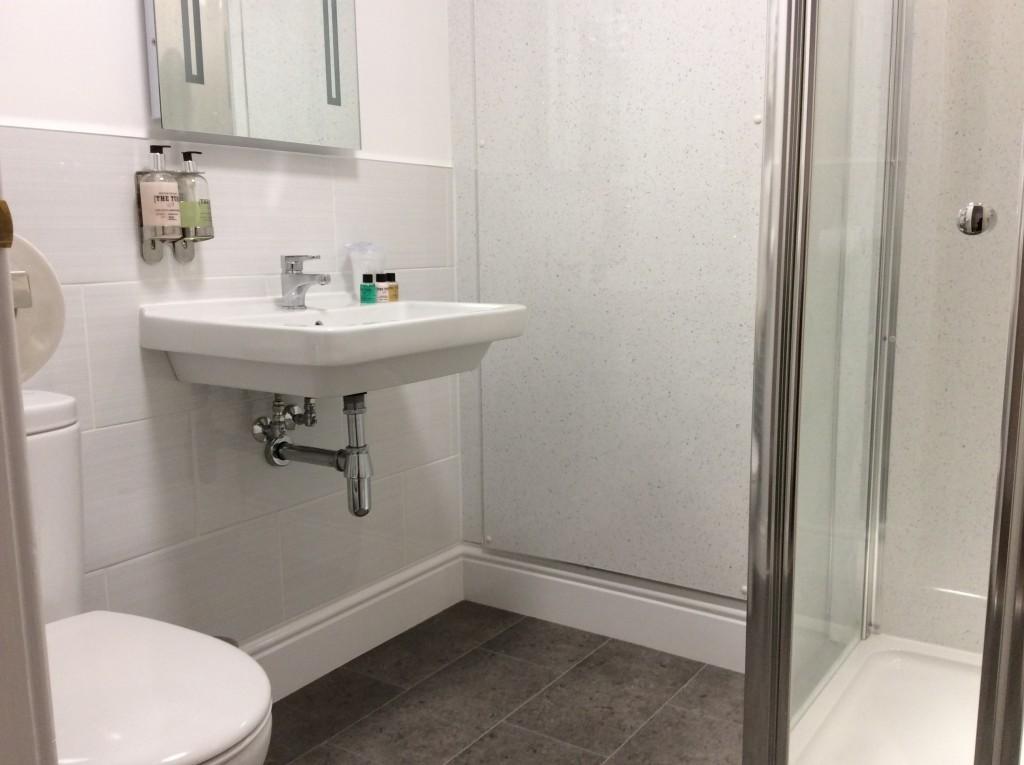bnb-bathroom-inverness